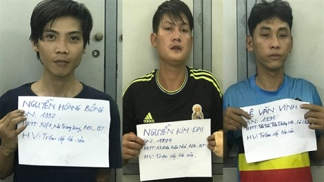 Bắt giữ 5 đối tượng nghiện ma túy thủ dao đi trộm xe máy