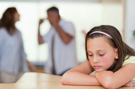 Cùng thương con, sao cha mẹ không thương nhau?