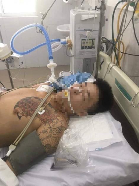 Người nhà phản ứng vì bị can từ trại tạm giam nhập viện trong tình trạng nguy kịch