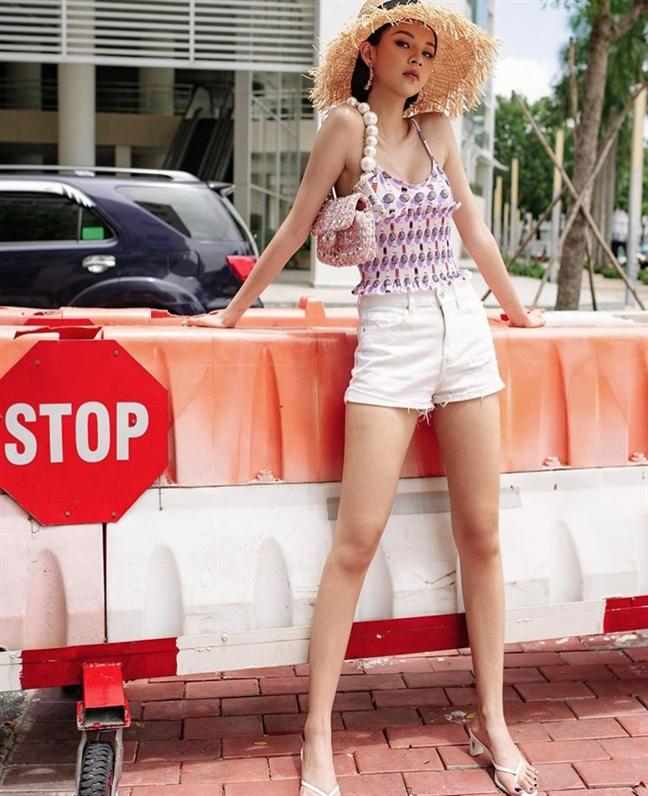 Ha Ho khoe vong 1 lap lo, Thanh Hang kin nhu bung xuong pho