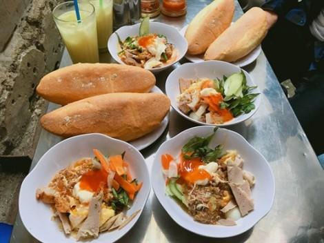 Đến Nha Trang nhớ vào hẻm thưởng thức món bánh mì chấm tuổi đời hơn 40 năm