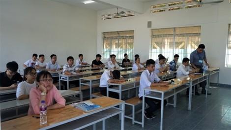 Học sinh của 1.214 trường phổ thông thi đánh giá năng lực