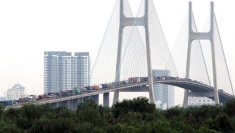 Kẹt cứng trên cầu Phú Mỹ và cao tốc TP.HCM - Long Thành, nhiều tuyến đường quận 2 tê liệt