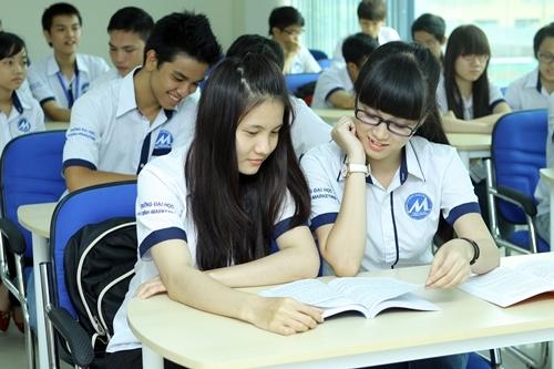Nong: trung binh 7.27 diem trung tuyen vao Dai hoc Tai chinh Marketing
