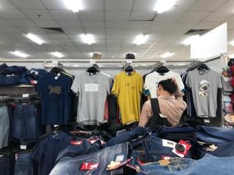 Big C ngưng nhận hàng thời trang Việt - mảng tối của bức tranh kinh tế dần lộ diện