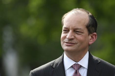 Bộ trưởng Lao động Mỹ từ chức vì từng 'chạy tội' cho vị tỷ phú đã tấn công tình dục nhiều bé gái