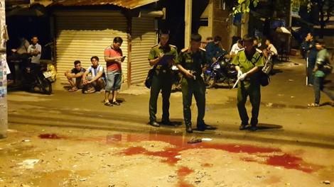 2 nhóm thanh niên lời qua tiếng lại trong quán nhậu, 1 người bị đâm chết