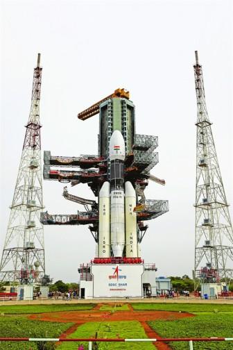 Ấn Độ phóng tàu vũ trụ lên mặt trăng