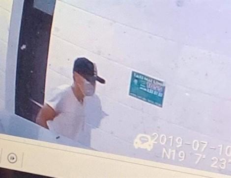 Bị camera ghi hình, kẻ đâm chết nữ nhân viên xăng dầu vẫn 'trong vòng bí ẩn'