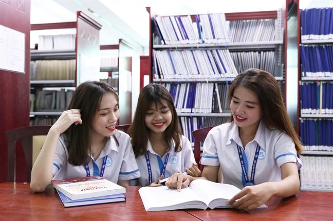 Truong dai hoc Tai chinh Marketing xet 15.5, Dai hoc Kinh te - Luat 'chot' 19 diem