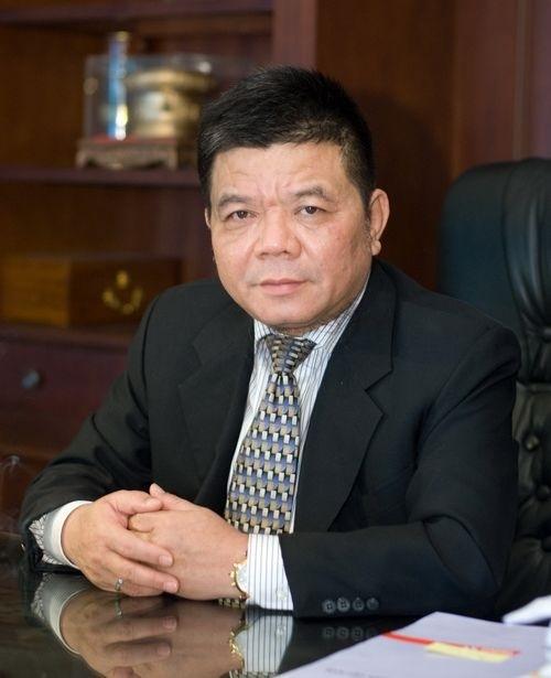 Ong Tran Bac Ha, cuu Chu tich BIDV tu vong trong trai giam