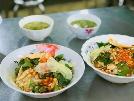 Thưởng thức hương vị phở chua xứ Lạng hiếm hoi ở Sài Gòn