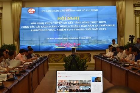 Chủ tịch UBND TP.HCM Nguyễn Thành Phong 'cam kết' không có chuyện ngưng chi thu nhập tăng thêm
