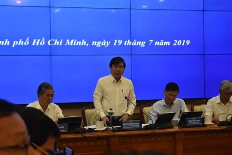 Chủ tịch UBND TP.HCM Nguyễn Thành Phong nghi ngờ những con số tăng trưởng