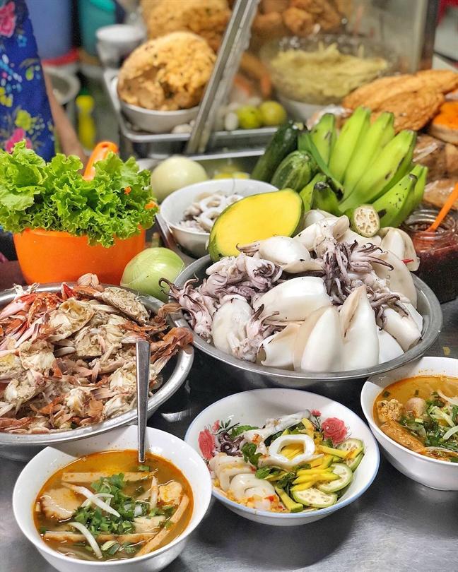 Chi 500 ngan dong no cang bung trong suot hanh trinh Da Nang - Hoi An (P. 2)