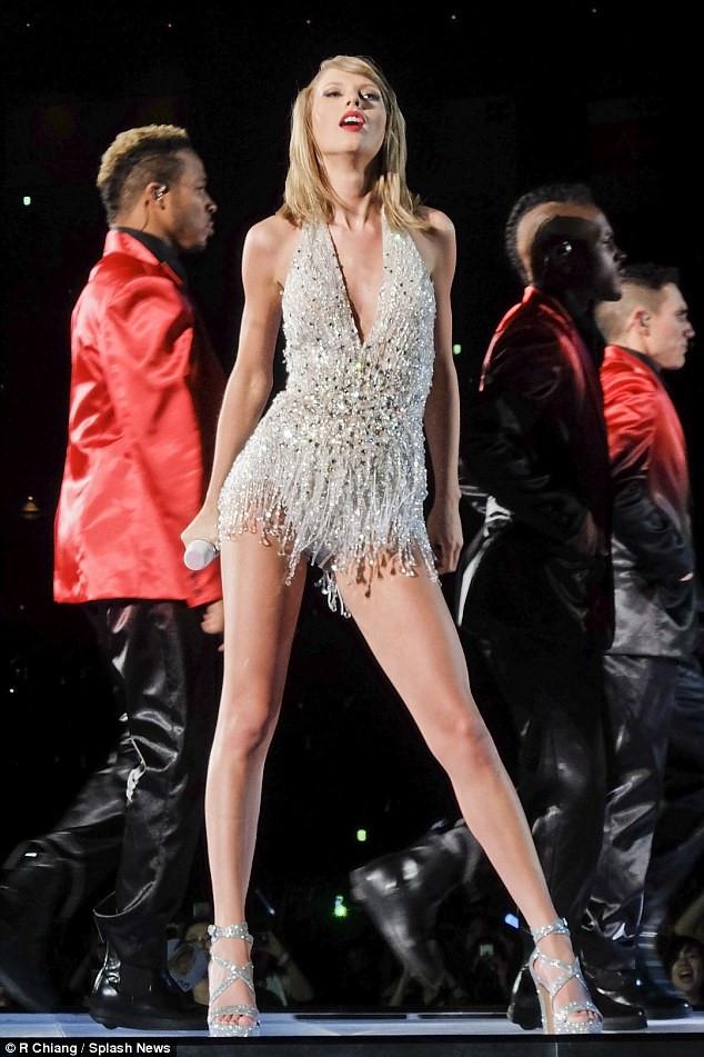 Gu do don gian nhung luon dep ma ban co the hoc tu Taylor Swift