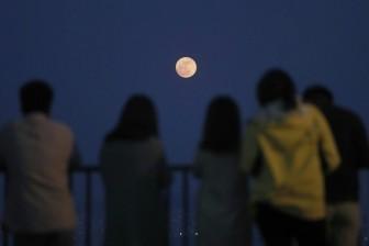 Mặt Trăng đã bị bán 10% diện tích, thu về ít nhất 11 triệu USD
