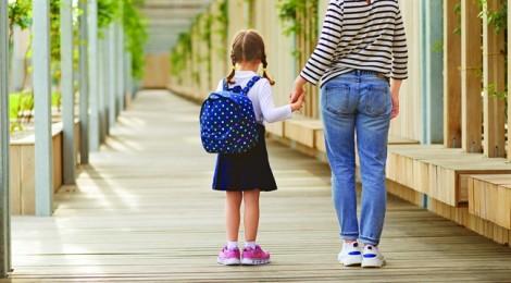 Chuyên đề Cho con cơ hội: Cần người lớn can đảm buông tay