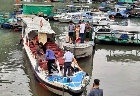 Hai tàu đâm nhau ở Quảng Ninh, nhiều hành khách bị thương