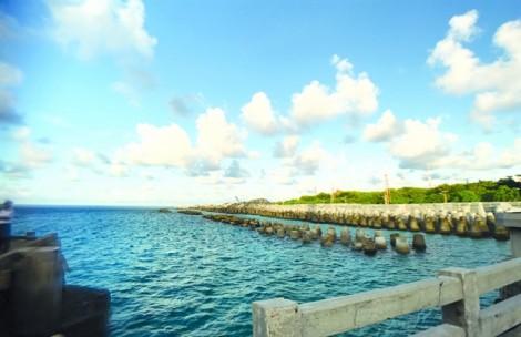 Biển Đông nhìn từ Vạn Lý Trường Thành