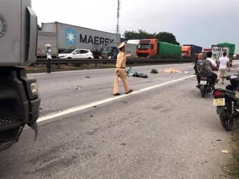 Đứng xem hiện trường vụ tai nạn giao thông, ít nhất 6 người bị xe tải đè chết