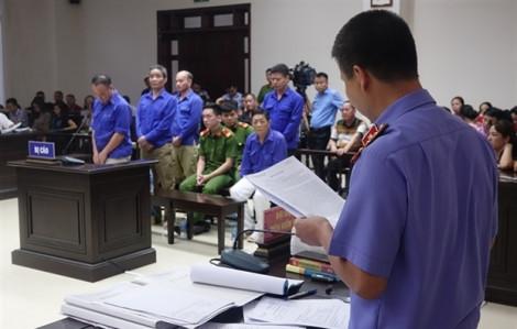 Xử sơ thẩm băng nhóm bảo kê tại chợ Long Biên: các đối tượng bị đề nghị truy tố tổng cộng 22 năm tù