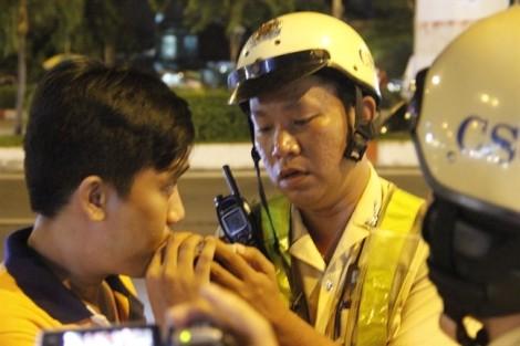 Cảnh sát giao thông đã 'bỏ qua' giới nữ khi kiểm tra nồng độ cồn
