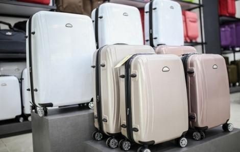 Khuyến mãi cuối tuần: vali, nước hoa... giảm giá mạnh