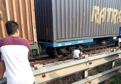 Mẹ ca sĩ Châu Việt Cường bị tàu hỏa tông chết khi đi nhặt ve chai