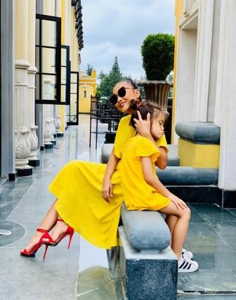 Gu thời trang đồng điệu của Đoan Trang và con gái