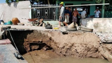 Sạt lở nghiêm trọng ở Sóc Trăng, đe dọa cuộc sống hàng ngàn người dân