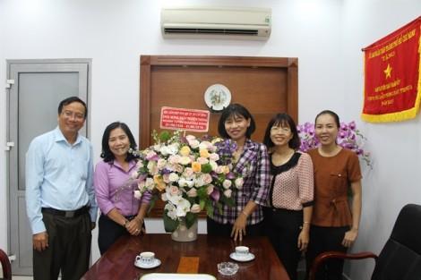 Hội LHPN TP thăm, chúc mừng Ban Tuyên giáo Thành ủy