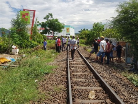 Lại tai nạn tàu hoả, giao thông Nha Trang tê liệt