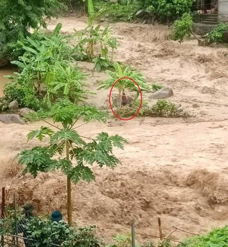 Trưởng công an xã bị đất đá vùi chết khi đi kiểm tra tình hình sạt lở