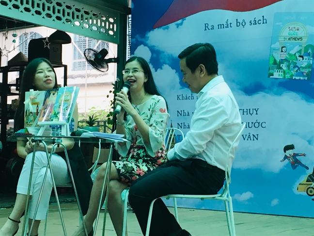 Nha van Duong Thuy: Hay dua cac con di choi de gan ket yeu thuong
