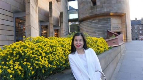 Nhà văn Dương Thụy: Hãy đưa các con đi chơi để gắn kết yêu thương