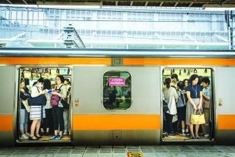 Phụ nữ Nhật Bản  thèm tự do hơn kết hôn