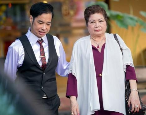 Những sao Việt 'to xác' nhưng vẫn phụ thuộc mẹ