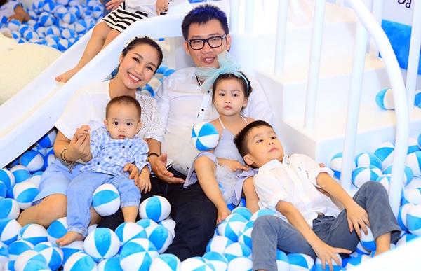 My nhan Viet sinh nhieu con nhung 3 vong van nhu gai 18