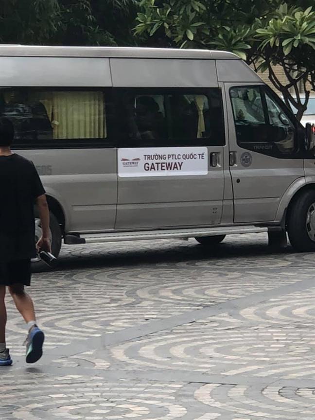 Tu vu chau be tu vong tren xe bus truong Gateway: Goc bang nay co con ghi si so?