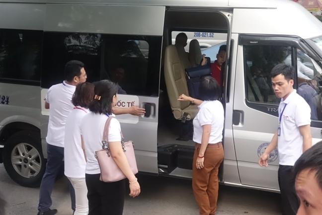 Tu vu chau be tu vong tren xe bus, hang loat truong 'bao dong do', tran an phu huynh