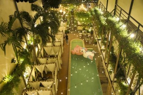 Cà phê lều nệm, hồ bơi như đi nghỉ dưỡng ở resort ngay giữa Sài Gòn