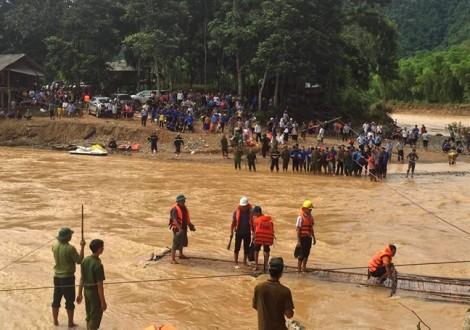 Chung tay dựng lại nhà cho người dân bản Sa Ná bị thiệt hại do bão số 3