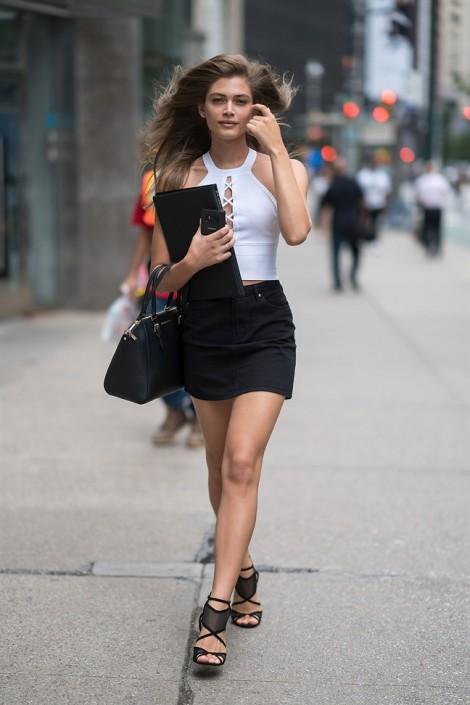 Victoria's Secret có thể hủy show vì người mẫu chuyển giới