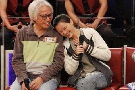 Cặp đôi lệch nhau 40 tuổi bị ghét nhất làng giải trí Trung Quốc không dám đăng ký kết hôn