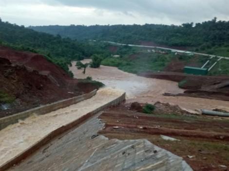 Khẩn trương di dời khoảng 5.000 người dân trước nguy cơ vỡ đập thủy điện