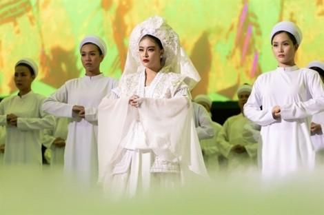 Sử dụng tín ngưỡng thờ mẫu cho ca khúc, Hoàng Thuỳ Linh gây tranh cãi