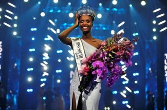 Nhan sắc độc, lạ của tân Hoa hậu Nam Phi 2019
