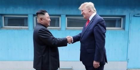 Triều Tiên tiếp tục thử tên lửa sau khi Tổng thống Trump bày tỏ hy vọng về đàm phán