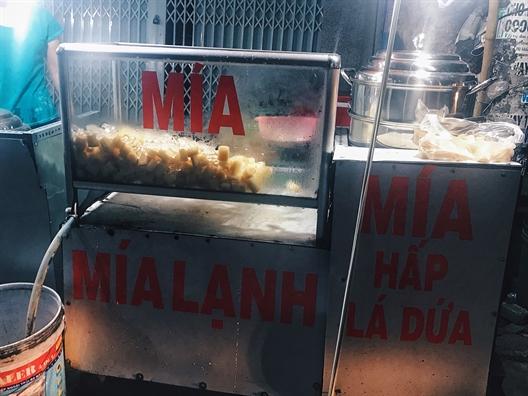 Chieu mua lanh bong dung thay them vi mia hap moc mac o Sai Gon
